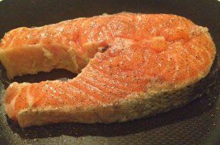 Yağsız Tavada Somon Balığı Tarifi