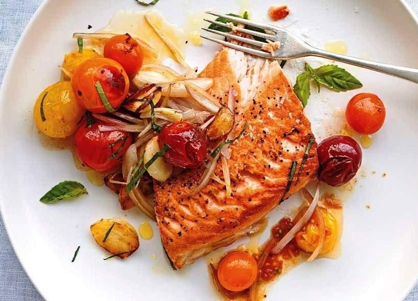 Çeri Domatesli - Soğanlı Fırında Somon Balığı Tarifi