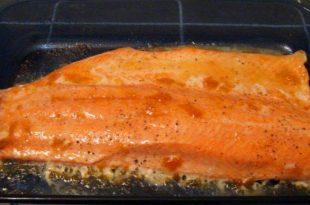 Kayısı Reçelli Fırında Somon Balığı Tarifi