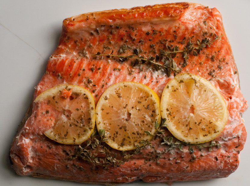 Limonlu Kekikli Kağıtta Fırın Somon Balığı Tarifi