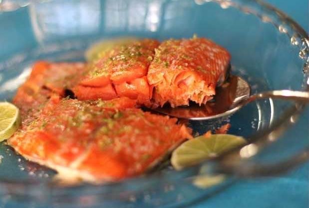 Akçaağaç Şurubu ve limonlu Fırında Somon Balığı Tarifi